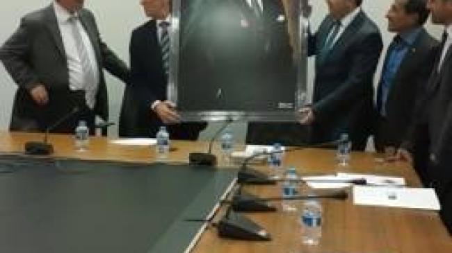 AK Parti'den CHP Grubuna anlamlı