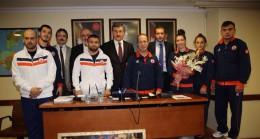 İBB AK Parti Gurubu şampiyonları ağırladı