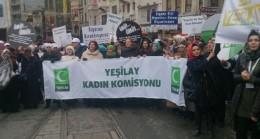 Beyoğlu'nda kadınlar sigaraya karşı yürüdü