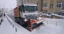 Ümraniye Belediyesi'nden 24 saat kar mesaisi
