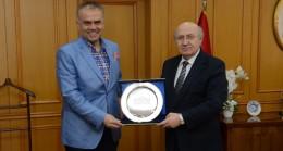 Başkan Poyraz'dan Rektör Arat'a ziyaret