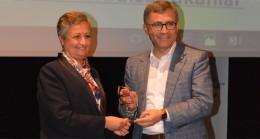 Hilmi Türkmen'e hakkettiği ödül