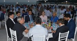 AK Parti Kadıköy, dostlarıyla sofrasını paylaştı