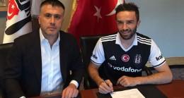 Beşiktaş Gökhan Gönül ile imzaladı