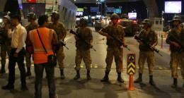 İstanbul'da 200 asker gözaltında