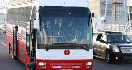Cumhurbaşkanı Erdoğan, protokolle birlikte köprüden geçti