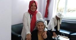 Başkan Neslihan Aydın'dan huzurevine ziyaret