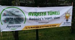 Kadıköy afişleriyle de fark ettiriyor