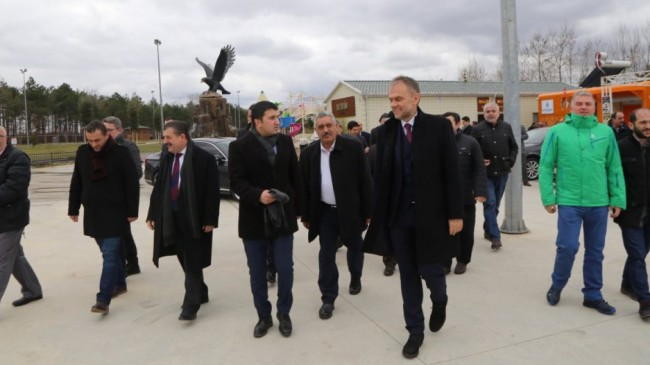 Başkan Poyraz, açılışını yaptığı mescid te imamlık yaptı