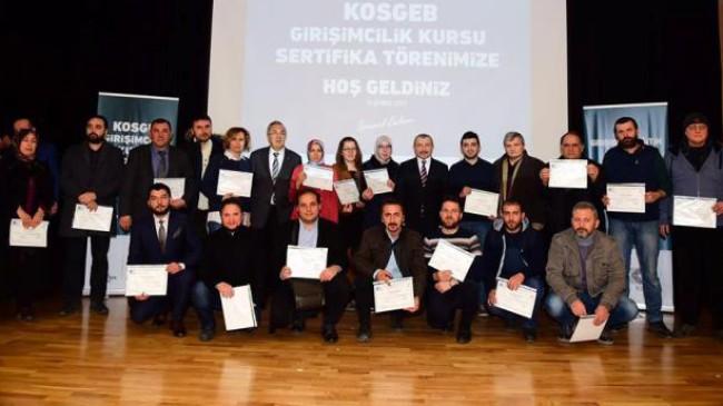"""Sancaktepe Belediyesi """"Uygulamalı Girişimcilik"""" sertifikalarını dağıttı"""
