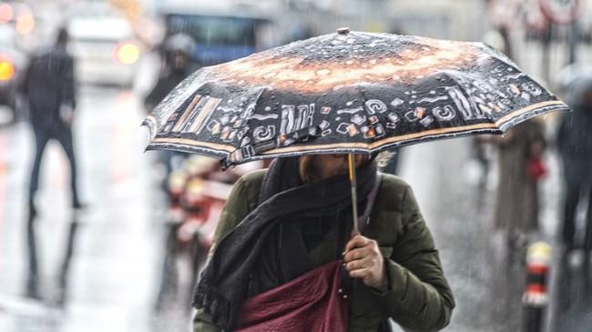 İstanbul'da yağmur etkili yağıyor