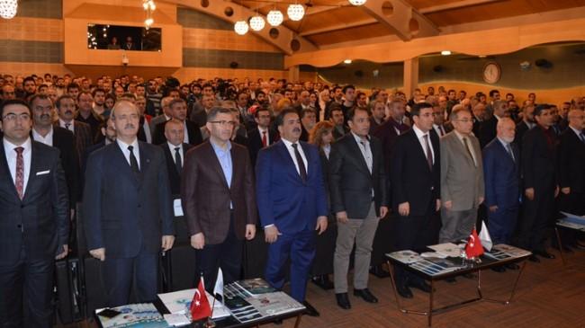 Üsküdar Üniversitesi'nde 'Türkiye'nin vesayet karnesi' konuşuldu
