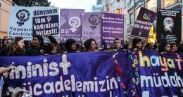Kıyamet alametleri Taksim'de