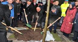 Bakan Eroğlu, Ümraniye'de fidan dikti