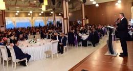 Başkan Erdem, mesai arkadaşlarıyla yemekte buluştu
