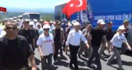 CHP'nin siyasi yürüyüşünde spor kulübü arabasının ne işi var!
