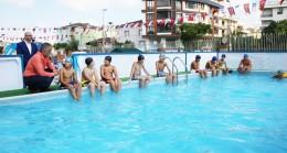 Çekmeköy Belediyesi, dezavantajlı çocukları özel havuzlarda ağırlıyor