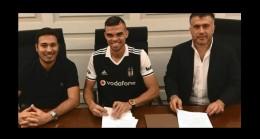 Pepe Beşiktaş formasını giydi!