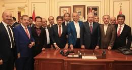 Başkan Uysal, tebrikleri kabul etti