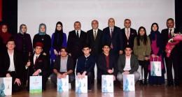 Sancaktepe'de şiir yarışmasında dereceye girenler ödüllendirildi