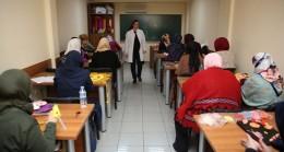 Ümraniye Belediyesi 'Çocuk Bakımı Kursu'na kadınlardan yoğun ilgi
