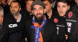 Arda Turan Başakşehir'e transfer oldu