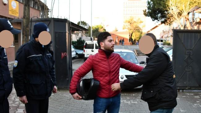 Polisten okul önlerinde sıkı denetim