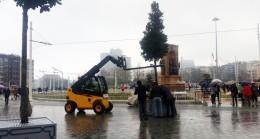 İBB Taksim'i ağaçlandırıyor