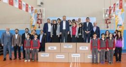 Çekmeköy Belediyesi'nden devlet okullarına spor malzeme desteği