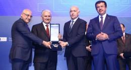 Kibar Dış Ticaret, ödülünü Başbakan Yıldırım'ın elinden aldı