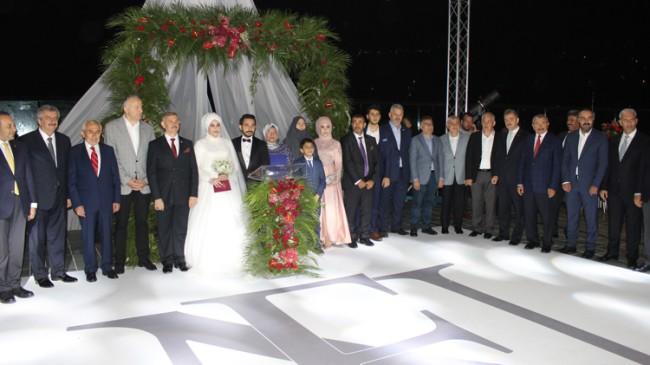 AK Parti'li siyasilerden 15 Temmuz gazisine büyük vefa