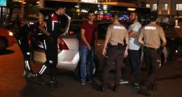 Polis 'ten Fatih'te gece uygulaması