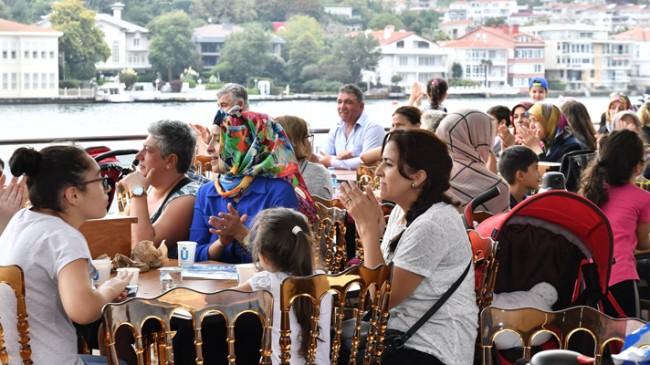 Valide Sultan Gemisi ile mahallelerin boğaz turları devam ediyor