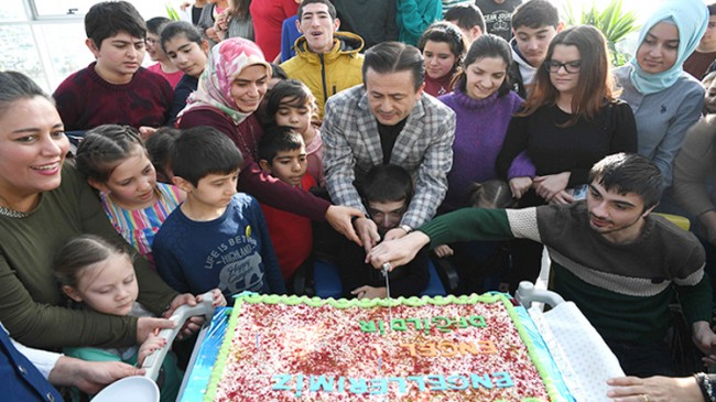 Başkan Şadi Yazıcı, 'Tuzla'nın Özel Çocukları'nı ağırladı