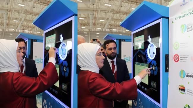 """Emine Erdoğan, """"Akıllı Geri Dönüşüm Konteyneri"""" 'için harika bir proje' dedi"""