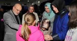 Beykoz Belediyesi Sosyal Market'ten 400 çocuğa kışlık giysi