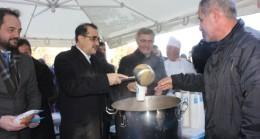 Bakan Dönmez, Nakkaştepe'de Üsküdarlılara çorba dağıttı