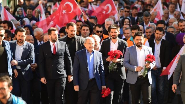 """İsmail Erdem, """"Bu meydanlar gösteriyor ki, 31 Mart Ataşehir için değişim vakti"""""""