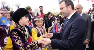 """Başkan Cin, """"Çocukların buluşması, dünya barışına önemli bir katkı yapacağını düşünüyoruz"""""""