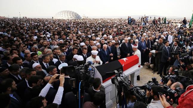 Kadir Mısırlıoğlu'na son görev yapıldı