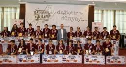 Başkan Poyraz, Uluslararası Bilim Olimpiyatları projelerini ödüllendirdi