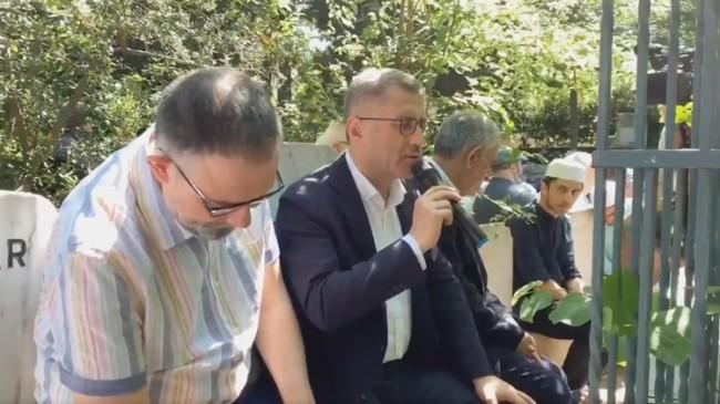 Türkmen, Cahit Zarifoğlu ve Abdurrahim Karakoç'un ruhlarına Kur'an okudu