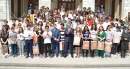 Vali Yerlikaya, LGS'den tam puan alan öğrencileri tebrik etti