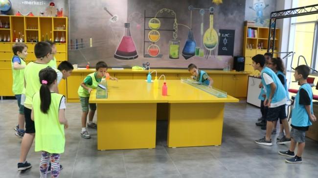 Pendik Belediyesi'nden çocuklara bilim ve zeka oyunları yarışmaları