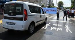 Pendik Belediyesi'nden sürücülere 'önce yaya' sürprizi!
