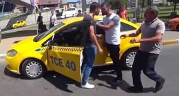 Taksiciler, durmalarının yasak olduğu yer için kavga ediyor!