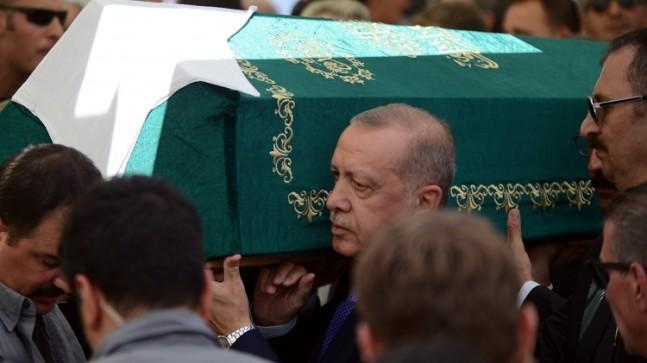 Başkan Erdoğan, Şenler'i son yolculuğuna uğurladı