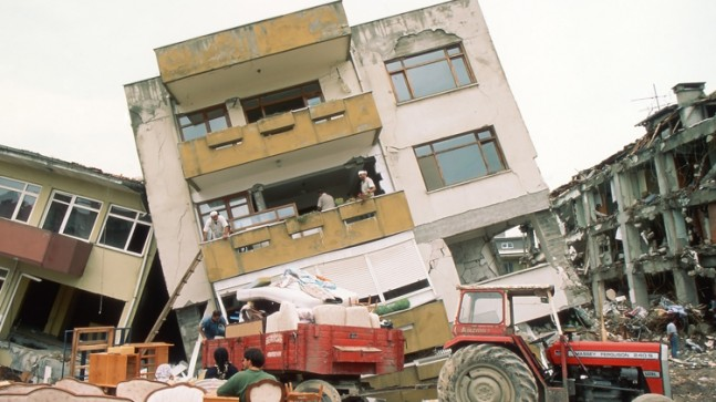 İnsanlarda deprem korkusu!