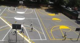 Pendik Belediyesi'nden okul bahçelerine spor alanları