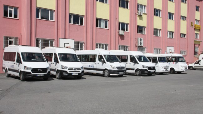 İstanbul trafiğine 20 bin okul taşıdı girdi